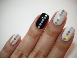 http://missbeautyaddict.blogspot.com/2012/03/31-day-challenge-black-and-white-nails.html