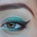 Green eyeliner CHRISTMAS