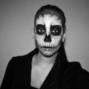 Halloween skull skeleton make-up