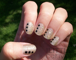 http://thelittlecanvas.blogspot.com/2012/08/china-glaze-im-not-lion-with-dots.html