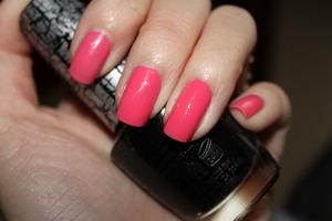 Sally Hansen Shrimply Devine (A perfect Spring Nail color)