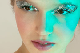 Glitter Grows Up: Tips to Incorporate Glitter into your Look