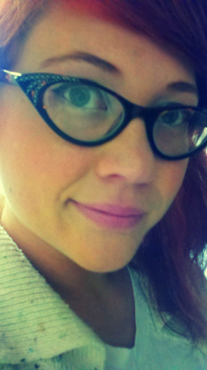 My new glasses came in and they have a sparkled on the sides :) Yay for eye jewelry! Love the retro cat's eye glasses.