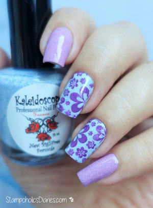http://stampoholicsdiaries.com/2015/09/28/flower-nails-with-kaleidoscope-by-el-corazon-konad-and-lesly/