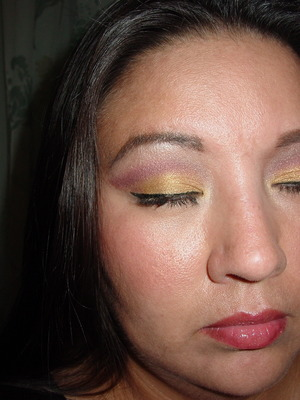 Griffindor Inspired makeup Gold and Maroon