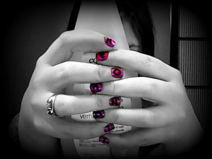 Couldn't fit the s but i thought that it was pretty cool :) it says *neonnail* kinda hard to see sorry :P