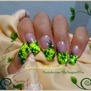 Easy floral nail design