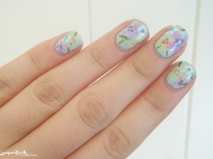 this is so ridiculously easy to to do, you don't even even need any thin brushes, or dotting tools or anything!