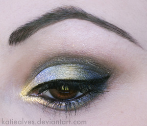 """I just discovered this colour in my BH Cosmetics 120 Ultra Shimmer Palette! I've passed by it a hundred times and just discovered it and it's gorgeous! It's blue with a gold shimmer where the light hits!  This is a look I did for Makeupbee's new contest! If you'd like to vote for me, here is the link:  https://www.makeupbee.com/look.php?look_id=34760&qbt=userlooks&qb_lookid=34760&qb_uid=15359    A vote is a """"like"""" on the site! <3"""