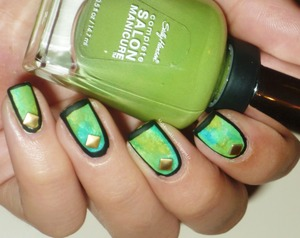 http://malykoutekkrasy.blogspot.cz/2013/10/matny-nail-art.html?showComment=1383423130895#c8855679316756869134