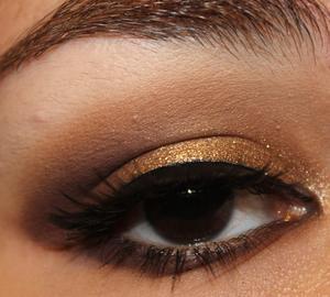 Illamasqua 'Ore' Pigment Look http://yamismakeup.blogspot.com/2011/08/smokey-fotd-illamasqua-ore-pigment.html