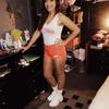 Hooters girl!(: