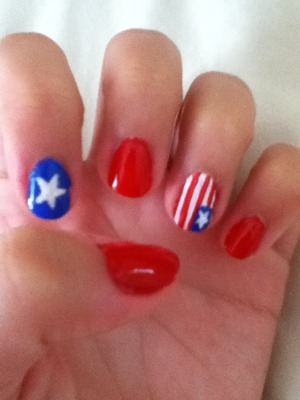 Easy, patriotic, nail design for the forth!