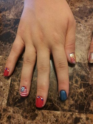 4th of July nails :) the thumbs are fireworks, but you can't really them in this pic