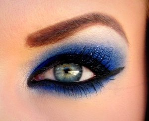 "Glamour Doll Eyes ""Mingles"" is the most gorgeous blue color ever!"