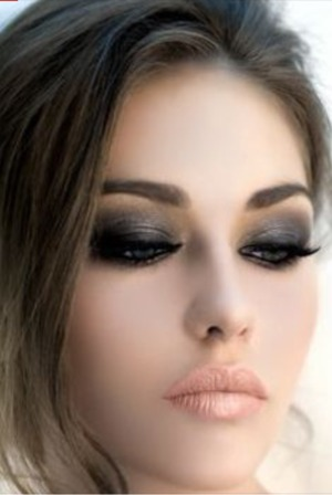 Found it on pinterest. Lovee the makeup though