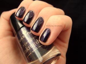 http://arvonka-nails.blogspot.sk/2013/01/essence-alice-had-vision-again.html