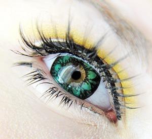 Beuberry Diva Green lenses