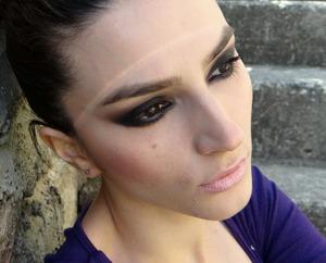 http://www.theglamcrush.com/2013/05/black-and-brown-smokey-eyes.html