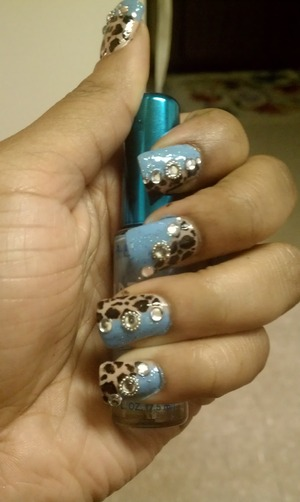 Your favorite solid color, and your favorite animal print. Add rhinestones or crystals then accent with silver beads.