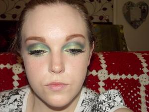 Green Lantern inspired look. Tutorial here: http://www.youtube.com/watch?v=xahepduJYCc