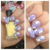 Summer daisy nails