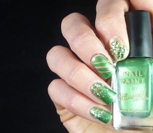 http://www.totally-nailed.com/2013/03/saint-patricks-day-nail-art.html