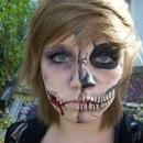 Skull/ Cut face makeup