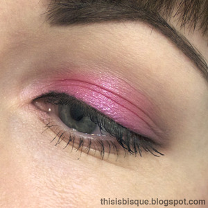 Tutorial: http://thisisbisque.blogspot.ca/2012/08/simple-pink-and-brown-everyday-look.html