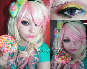 I LOVE donut!!!!!!!! Just a cute and colorful makeup and my wig. My real hair its pink and blue (split)