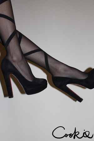 Fun stockings paired with a classic black heel