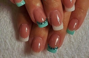 getting my nails done like this :D  absolutely love these colours together. so cute & elegant.