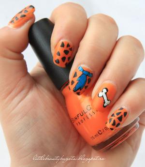more photos here: http://littlebeautybagcta.blogspot.ro/2013/02/orange-nails-colaborare-31-teme-de.html