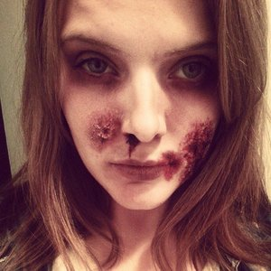 http://beautistique.blogspot.co.uk/  What do you think? This was literally a quick five- ten minute max zombie look.