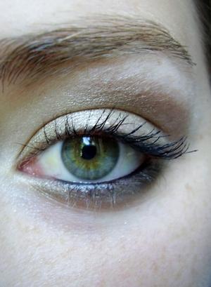 gilded green look for hazel eyes