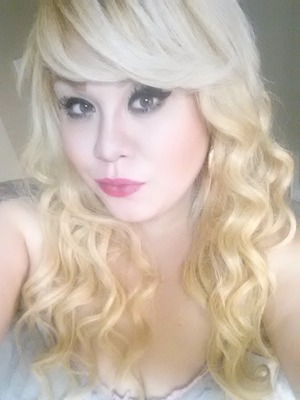 My makeup and hair of today...hope yall like loves ^.-