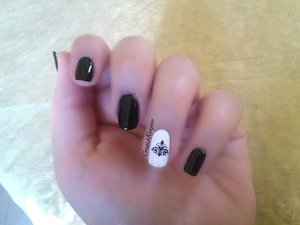 Polishes Used: Maybelline Color Show- Onyx Rush Sinful Colors- Snow Me White