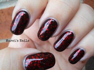http://marcisnails.blogspot.com/2012/06/true-blood-inspired-mani-im-pretty.html