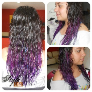 A regular Ombre hair... in not a regular colors... in a beautifull natural young hair. I loved it! Doing it and the final result!