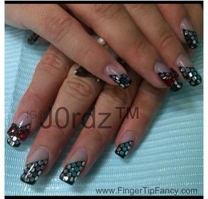 FOR DETAILS CLICK LINK: http://fingertipfancy.com/black-silver-red-bow-nails
