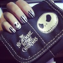 Skulls & Stripes Nailart - The Nightmare Before Christmas