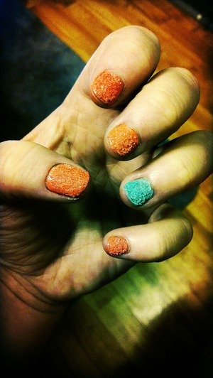 luv the texture nail look. Easy inexpensive way to do it is jut sprinkling salt on top of a fresh wet coat.