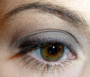 Soft neutral grey look