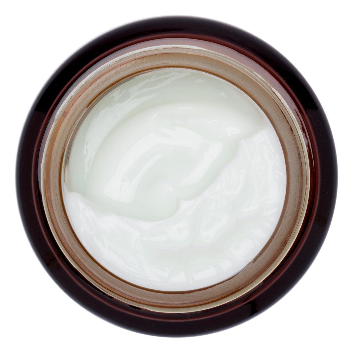 IT Cosmetics  Bye Bye Redness Skin Relief Treatment Moisturizer alternative view 1.