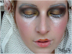 Galliano 2009 Fall RTW inspired make up