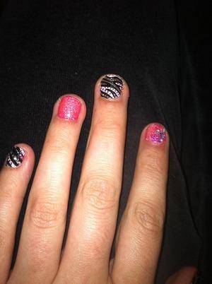 Mani w nail art