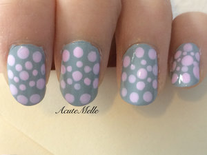 A simple pink and grey design Tutorial here: https://www.youtube.com/watch?v=-p0xKjilxiw