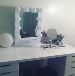 Follow my Instagram @ashley_brooke_My makeup studio is slowly coming along !! @impressionsvanity !! @ashley_brooke_beauty trends/beautyblogger/makeup artist/ inspire !! Waiting on some shelving and my vanity chair and decor ❤️❤️❤️ #beautyroom#makeupartist#makeupinspire#ashleybrookebeauty#beautyblogger#inspire#fashion#trends#slay#vanityimpression#makeuproom#beautylovers#pictures#filming#womencave#makeupiseverything#makeupjunkie#mua