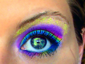 Colorful look created with a FASH palette and many possibilities.