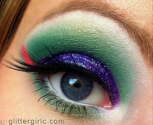 A glittery, tropical look :)